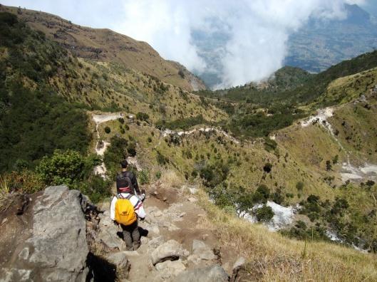 Turun dari Puncak Gunung Merbabu