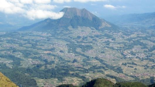 Gunung Andong dari Merbabu
